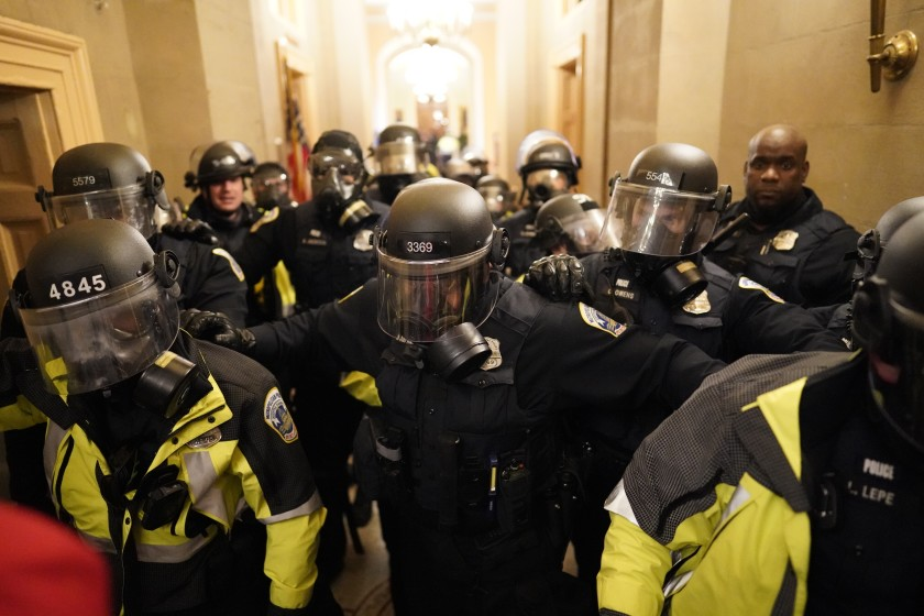 错误的情报被指对国会暴动的灾难性反应